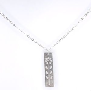 ♡ 2 for 20$ ♡ Silver Floral Pendant Necklace